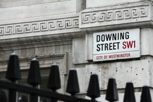 Plan B für Brexit – spielt May auf Zeit?
